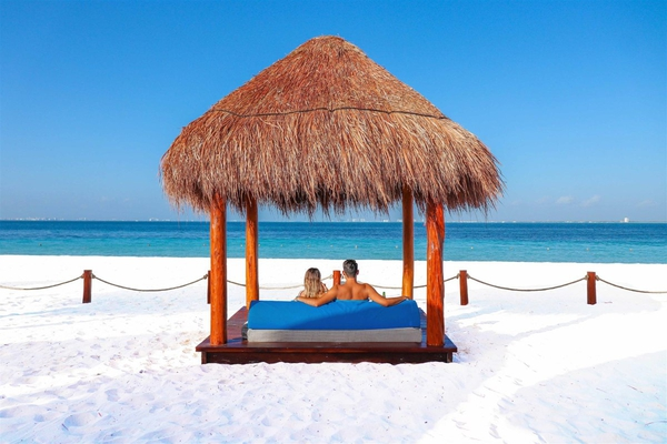 Balinese bed privilege aluxes hotel isla mujeres